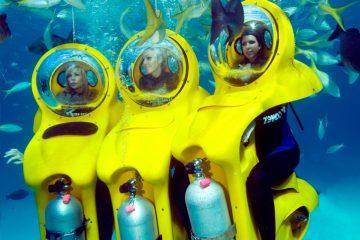 3 filles faisant du Bob Diving